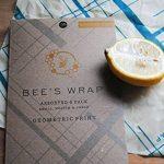 Bee's Wrap Lot de 3emballages alimentaires Tailles assorties Bleu de la marque Bee's Wrap image 4 produit