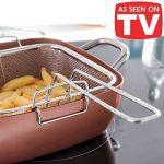 Cocotte innovante 4 en 1, en cuivre et céramique très résistante - Adaptée comme wok, casserole, plat à four et friteuse- Avec lot de 4 accessoires - Couvercle en verre trempé, panier pour frire et plateau pour cuisine à la vapeur ou au gril inclus - Ada image 1 produit