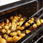 Ensemble de 10 ustensiles de cuisine non toxiques en silicone non toxique Ustensiles de cuisine de la série Les outils de cuisson à la maison incluent Tong, fouet, brosse, cuillère à fentes, fourchette à pâtes, spatule fendue (NOIR) de la marque Liyoung image 4 produit