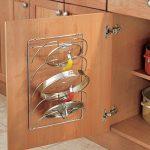 mDesign accroche casseroles mural, vertical – range couvercle pratique pour ustensiles de cuisine et poêle – porte couvercle mural maniable – métal chromé de la marque MetroDecor image 2 produit