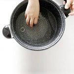 Nettoyeur de fonte, Acier inoxydable jaseron à récurer Nettoyant Cookware pour poêle à frire, Wok, Pot, poêle | NE Rouille pas comme Laine d'acier | Home & Camping | Protège Cuisine assaisonnement Square: 8 X 6 Cm de la marque Wei Xi image 4 produit