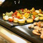Tapis de barbecue   Feuilles de cuisson   set de 3 pièces   réutilisable   fabriqué en silicone avec teflon   100% anti-adhésif   accessoires bbq de la marque Coninx® image 4 produit